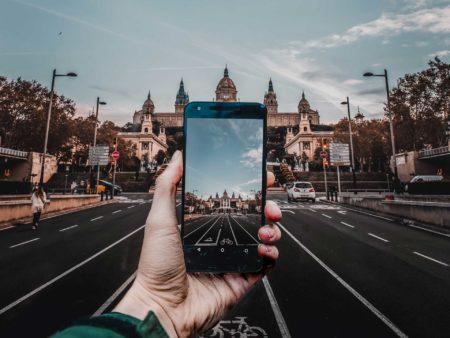 Pensamiento crítico y realidad ficcionada: la influencia de la pantalla en lo cotidiano