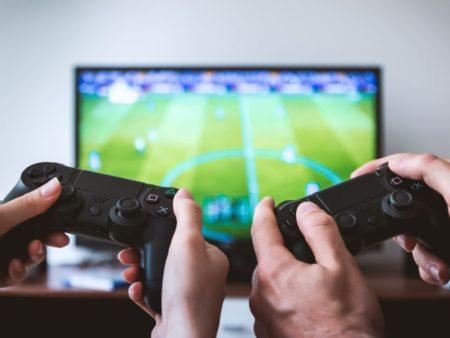 Comunicación y videojuegos: reflejando la sociedad a través del ocio interactivo